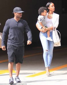 c9bef059d74 Family time  Kelly Rowland was spotted running errands in Beverly Hills on  Friday with husband