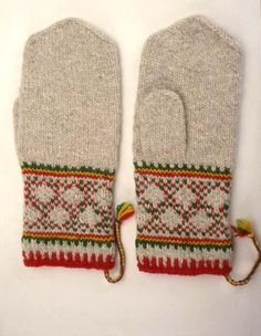 kolttavanttuut, Finnish Saami or Lapland mittens Crochet Mittens, Mittens Pattern, Fingerless Mittens, Knitted Gloves, Fair Isle Knitting, Knitting Socks, Hand Knitting, Knitting Patterns, How To Start Knitting