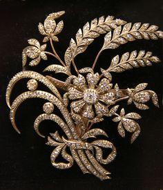 Diamond trembler spray of cornflowers and wheat-eara, French, 19c    @ British Museum #DiamondBrooch