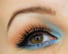 Inspiriert von Linda Halberg #beautyblogger #beautiful #Makeup #Blogger #makeupartist #gold #eyeshadow #trend #hippie #lindahalberg #turquoise #eyeliner #amu