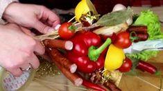 БУКЕТ ИЗ КОЛБАСЫ СВОИМИ РУКАМИ БУКЕТЫ ДЛЯ МУЖЧИН Creative Gift Wrapping, Creative Gifts, Vegetable Bouquet, Stuffed Peppers, Snacks, Make It Yourself, Vegetables, Handmade Gifts, Ethnic Recipes