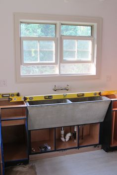 concrete farmhouse sinks - window trim color