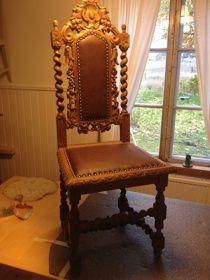 Barock chair with new leather  Barock stol med nytt skinn www.tibbleantik.se