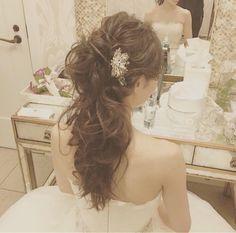 ヘアチェンジの流れ の画像|Satomi の ハワイブライダルヘアメイク 『Satomi no sonogo』 Wedding Party Hair, Bridal Hair, Fancy Hairstyles, Bride Hairstyles, Hair Hub, Hair Arrange, Hair Setting, Floral Hair, Great Hair