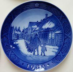 Royal Copenhagen Christmas Plate 1980.Bringing by Yesterdayshome, £10.00