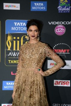 Deepika Padukone at the  IIFA Magic of the Movies  4
