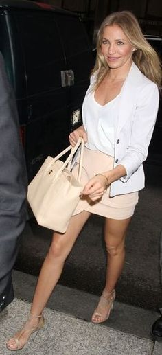 Who made Cameron Diaz's nude handbag, sandals, gold jewelry and blazer that she wore in New York?