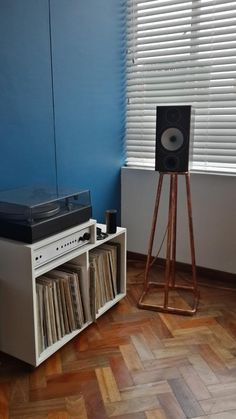 Copper pipe speaker stands?