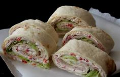 These turkey fillet wraps are the tastiest wraps you have ever eaten - Lunch Snacks Tortilla Wraps, Lunch Snacks, Clean Eating Snacks, Tortillas, Ham Rolls, Quiche, Mini Croissants, Taco, Wrap Recipes