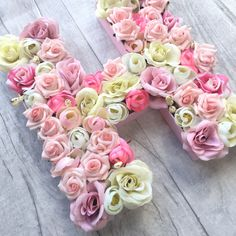 Another beautiful floral letter completed and delivered. Love these they are so pretty and make a wonderful gift.