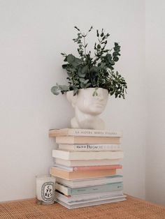 books Living Room Interior, Home Interior, Danish Interior, Interior Design Books, My New Room, My Room, Home Decor Inspiration, Decor Ideas, Bedroom Decor