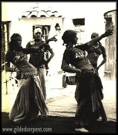 "Cedar Archives - ""San Francisco Classical Dance Company"" - alunas de Masha Archer - Linda dancing with Pepper behind, ? dancing in front."