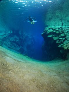 Silfra and Lava Caving Combo - Snorkeling / Diving  Lava caves with and without water !