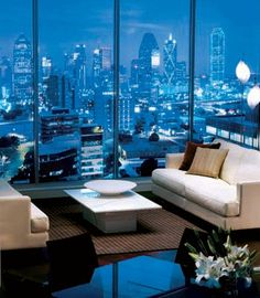 Dallas penthouse.  Would like a Houston Downtown view even better ;-) High Rise Apartments, Luxury Apartments, Luxury Homes, Apartamento Penthouse, Luxury Penthouse, Luxury Condo, Dream Apartment, Dallas Apartment, City Living