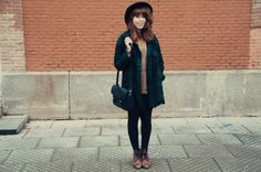 The blogger Iris loves fashion  with her #customised satchel!!! So cute!!! #leather #handbags #vintage  www.matteabags.com