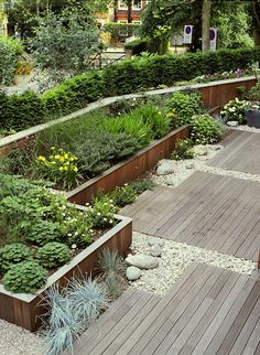 11 Damn good decking designs to transform your garden Modern Landscape Design, Modern Garden Design, Contemporary Garden, Abstract Landscape, Gravel Landscaping, Modern Landscaping, Landscaping Design, Terrasse Design, Patio Design