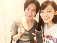 Akihisa Shiono (Kyoryuger Green) and Marie Iitoyo (Kyoryuger Violet) met at shooting the drama Asunaro 3-3-7. Marie played daughter of hero, while Akihisa played opponent. #girl #japan
