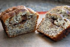 Use up those brown bananas by making this cinnamon swirl banana bread. It takes your usual bread to the next level with cinnamon goodness. Quatre Quarts, Banana Cinnamon, Cinnamon Bread, Banana Nut, Wendy's Food, Bread Making, No Bake Desserts, Delicious Desserts, Dessert Recipes
