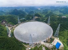 China ha terminado la construcción del radio telescopio más grande del mundo. Supera por bastante al venerable radio telescopio de Arecibo, y puede que nos depare muchas sorpresas agradables... #astronomia #ciencia