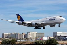 Lufthansa D-ABYG Boeing aircraft picture Boeing 747 8, Airbus A380, 747 Jumbo Jet, Air Planes, Commercial Aircraft, Aircraft Pictures, Air Travel, Real Beauty, Cabins