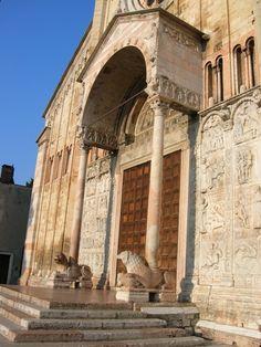Protiro con leoni stilofori - San Zeno - Verona Italy