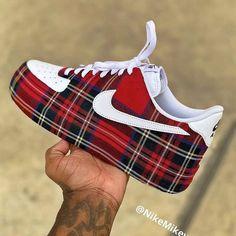 Behind The Scenes By insanesneaker Custom Sneakers, Vans Sneakers, Jordan Shoes For Kids, Nike Air Shoes, Nike Af1, Fresh Shoes, Latest Shoe Trends, A Bathing Ape, Nike Free