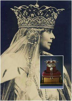 Enlarge photos to see beauty of crown.  Princesa Maria de Edinburgo.Reina de Rumania
