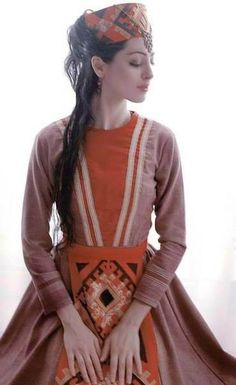 For DK/Parthia culture concept Armenian traditional clothes Armenian Wedding, Russian Wedding, Folk Clothing, Historical Clothing, Traditional Fashion, Traditional Dresses, Folk Costume, Costumes, Armenian Culture