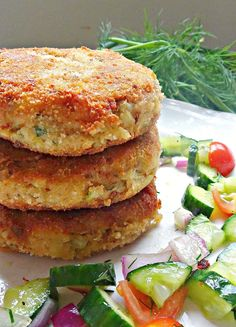 Tuna Fish Cakes Crispy on the outside and smooth on the inside, these potato tuna patties are the perfect way to use up some cupboard staples. Tuna Fish Cakes, Tuna Fish Recipes, Canned Tuna Recipes, Fish Cakes Recipe, Salmon Recipes, Meat Recipes, Seafood Recipes, Vegetarian Recipes, Cooking Recipes