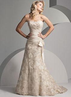 Wedding for Older Bride Second Wedding Dress Accessoires pour réussir votre mariage sur http://yesidomariage.com