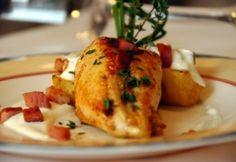 Kakukkfüves nyúlgerinc töltött burgonyával, tormamártással Baked Potato, Main Dishes, Turkey, Potatoes, Meat, Chicken, Baking, Ethnic Recipes, Food