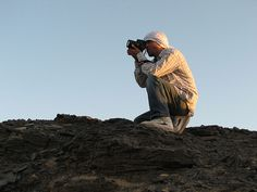 Photographer in Black desert Mount Everest, Deserts, Spaces, Mountains, Nature, Photos, Black, Naturaleza, Pictures