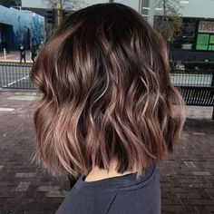Latest Sweet Hairstyles for Short Hair Trend bob hairstyles 2019 - Frisuren Cute Hairstyles For Short Hair, Short Hair Cuts, Cute Short Hair, Sweet Hairstyles, Wedding Hairstyles, Short Brunette Hairstyles, Long To Short Hair, Wavy Bob Hairstyles, Short Wavy