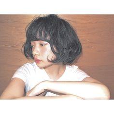 """黒髪はスタイルによって印象が全然変わってきます。可愛い・クール・セクシー・おフェロ...多様な雰囲気に変身できる黒髪で夏を過ごしてみてはいかがですか?ここでは、個性的な黒髪のヘアカタログを紹介!あなたも""""重い""""というイメージを捨てて黒髪美人になろう♡"""