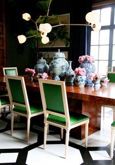 grant k gibson kelly green dining chairs black white gray dining room ginger jars blue and white painted-floor Room Inspiration, Interior Inspiration, Design Inspiration, Daily Inspiration, Design Ideas, Design Trends, White Dining Chairs, Green Chairs, Green Rugs