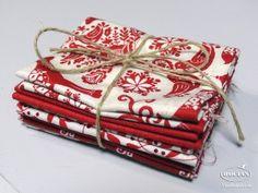 Zestaw świątecznych tkanin bawełnianych - czerwień i biel, 100% bawełna, pakiet 5szt. tkanin o wym. 38x25cm