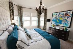 Suzie: Studio Ten 25 - Chic, funky turquoise blue bedroom design with turquoise blue & gray . House Of Turquoise, Home Bedroom, Master Bedroom, Bedroom Decor, Bedroom Photos, Bedroom Colors, Bedroom Ideas, Bedroom Inspiration, Teal Bedrooms
