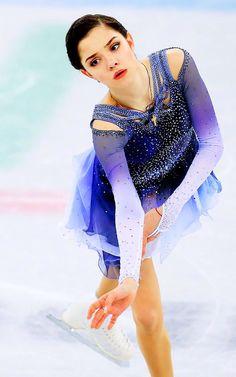 Evgenia Medvedeva (goddess of figure skating) Ice Girls, Ice Skaters, Figure Skating Dresses, Glamour, Skates, Ballet, Sports Women, Pretty People, Sport Outfits