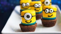 Adorable little minions marshmallows atop mini brownies you can make in your Nostalgia Mini Cupcake Maker. http://ow.ly/PAzqk