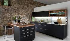 cocina-negra-pared-piedra.jpg (600×352)