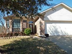 Available for March 1st move in or possibly before.  This gorgeous 3 bedroom, 2 bath, one story home features spacious kitchen boasting gorgeous furniture quality cabinets, island, breakfast bar and an abundance of storage. Wonderful open floor plan with soaring ceilings is great for entertaining. Enjoy the private master suite offering dual sinks and large shower large organized closet with built-ins. Generous sized secondary bedrooms provide ample space for family and friends. Picnic on…
