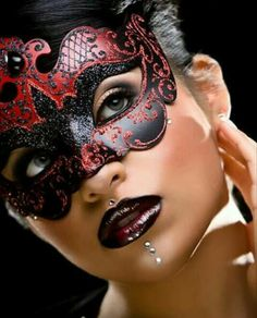 Absolutely gorgeous face & Mask