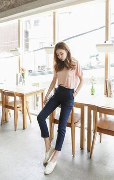 I like this style … simple casual outfits, casual korean outfits, korean fashion school Korean Fashion School, Korean Fashion Kpop, Korean Fashion Trends, Korean Street Fashion, Asian Fashion, Trendy Fashion, K Fashion Casual, Korean Casual Outfits, Korean Fashion Summer Casual