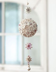 Kanzashi flower ball. 剣つまみのくす玉飾り