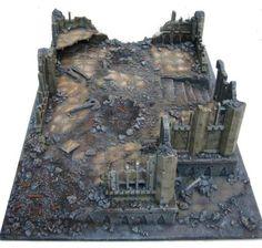 Ruined temple by Ronald van der Gragt Game Terrain, 40k Terrain, Wargaming Terrain, Warhammer 40k Tabletop, Warhammer Terrain, 28mm Miniatures, Fantasy Miniatures, Minis, Dungeons And Dragons