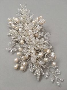 EVELYN Bridal pearl and crystal hair comb Pearl wedding Hair Jewelry, Bridal Jewelry, Floral Wedding Hair, Bridal Hair Pins, Wedding Hair Accessories, Bridal Headpieces, Handmade Flowers, Seed Beads, Swarovski Crystals