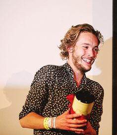 """Reign - King of France [Francis II/Toby Regbo] """"FYI, Toby Regbo's accent is delicious. Reign Cast, Reign Tv Show, Toby Regbo Reign, Serie Reign, Mary Queen Of Scots, Short Blonde, Film Industry, Celebs, Celebrities"""