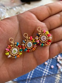 Diy Bracelets Patterns, Beaded Jewelry Patterns, Beaded Bracelets, Handmade Wire Jewelry, Homemade Jewelry, Bead Jewellery, Jewelry Crafts, Polymer Clay Jewelry, Jewelry Design