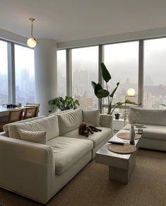 Home Room Design, Dream Home Design, Home Interior Design, Apartamento New York, Table Design, Aesthetic Rooms, City Aesthetic, Dream Rooms, Apartment Design