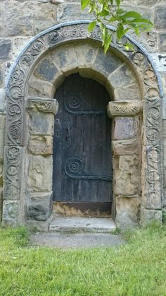 Pin By Joriant On Doors Doors Entrance Doors Doors Galore Cool Doors, Unique Doors, Entrance Doors, Doorway, Porte Cochere, Architectural Elements, Architectural Features, Medieval Door, Doors Galore